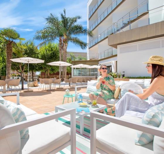 thumb-004-bar-terraza-zen-garden-sumus-hotel-stella-spa-pineda-de-mar749